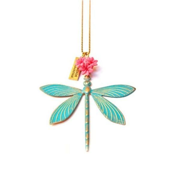 Colgante Libélula con pátina turquesa y flor