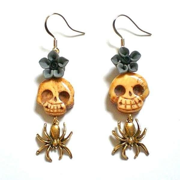 Pendientes Calavera con araña y flor