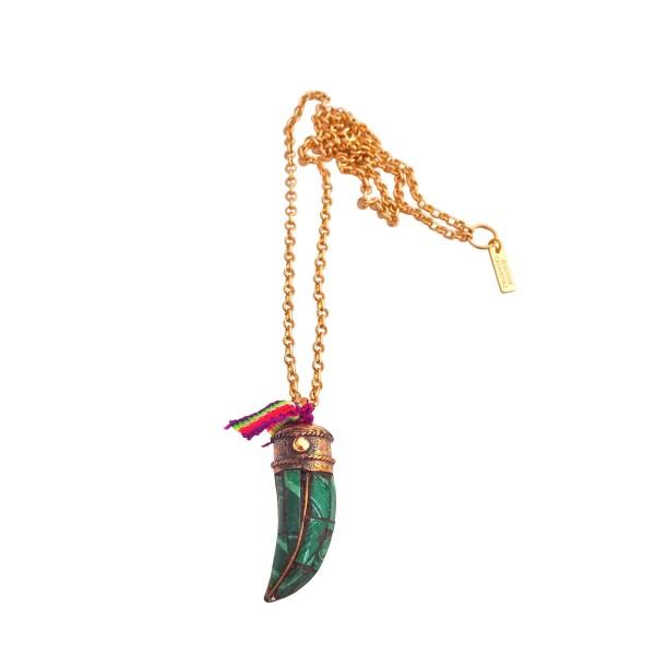 modelos de gran variedad Precio pagable super especiales Colgante Colmillo verde con cinta tribal