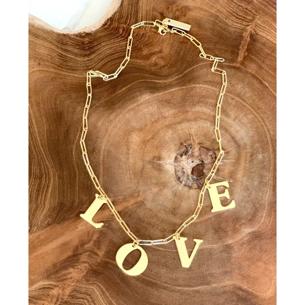 "Collar letras ""LOVE"""