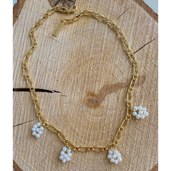 Daisy Pearls Necklace