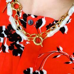 Cómo nos gusta ver vuestros looks con nuestros collares! ❣️❣️❣️ Mil gracias @gemabetancor nos encanta como combinas los collares My Favourite Pearls y Big Links 🖤Disponibles todos en www.eleonordecasanovas.com📦 Envíos gratis 📦#diseñosexclusivos#calidad#tendencia