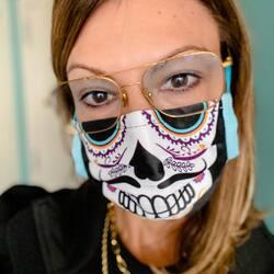 One week for Halloween 😷👻🎃  📦 Envíos gratis 📦  #mascarillahalloween#readyforhalloween#diseñosexclusivos#calidad#newin#availableonline   